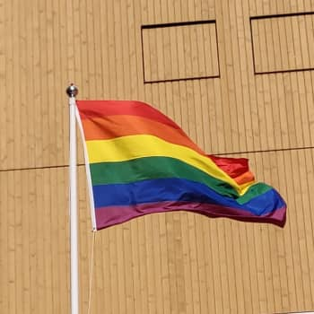 Sagostund med dragqueens och den queera Tove Jansson står i fokus när Luckan firar Pride