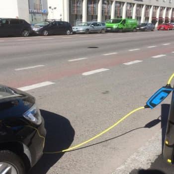 YLE Helsinki: Sähköautolla pääsee jo pitkälle, mutta kuka maksaa latauksen?