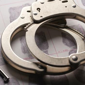 Jopa pilkun käyttö voi paljastaa murhaajan – miten kielentutkimusta voi käyttää rikostutkinnassa?