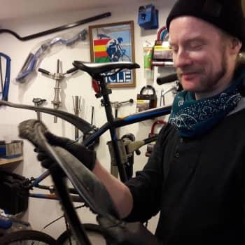 YLE Helsinki: Keväällä pyöräkorjaaja ei itse ehdi satulan selkään