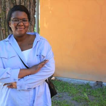 Fidéline Habimana berättar om Black Lives Matter-stöddemonstrationen i Åbo