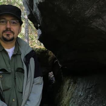 Onko vanha rajakivi muinainen karhunpyytäjien pyhä paikka? Arkeologit etsivät merkkejä vanhasta eränkäynnistä