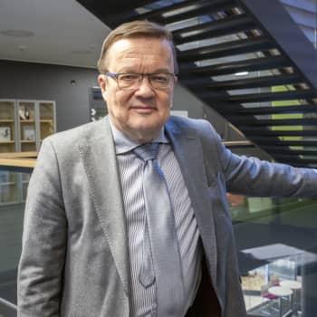 SeAMKin pitkäaikainen rehtori Tapio Varmola jäi eläkkeelle