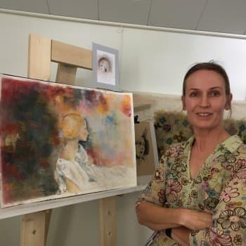 Parinkymmenen vuoden tauko taiteessa ei ole ongelma, todistaa Marja-Riitta Vuorela