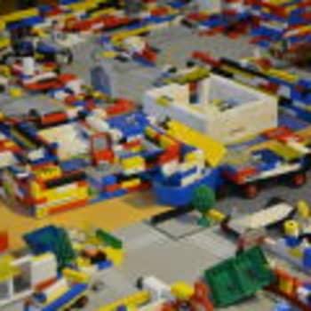 """Suomalainen Lego-johtaja: """"Joka ainoa lapsuuden Lego-palikkani on tallella"""""""