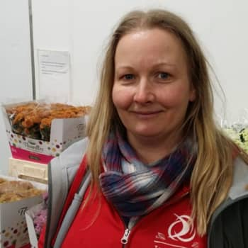 - Förmiddag i Nyland tisdagen den 7 februari - Trädgårdsmästare Linda Backman vid Helsingin kukkatoimitus -
