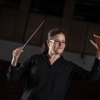 """""""Kvinnors hjärnor inte funtade för dirigentrollen"""" – det föråldrade tankesättet lever kvar"""