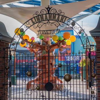 Nedskurna bidrag till barnskyddet och permitteringar - coronasommaren blev tuff för nöjesfältet Borgbacken