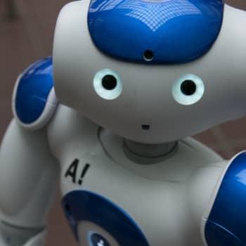 Miten jutella robotin kanssa? Miten robotti juttelee ihmisen kanssa?