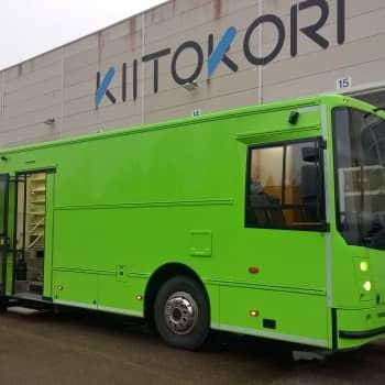 YLE Kymenlaakso: Iitin kunta rakennutti uuden kirjastoauton oman kylän yrityksen voimin - kirjastoautoille kysyntää Keski-Euroopassa