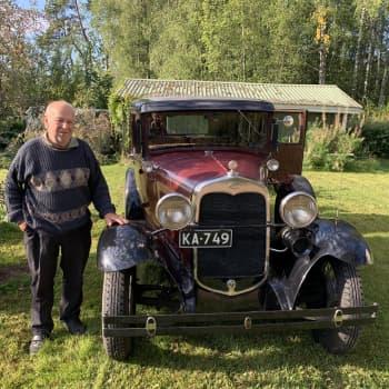 Museoautoharrastajalla on ollut autoja enemmän kuin pystyy muistamaan - 1930-luvun Fordilla taitetaan matkaa edelleen