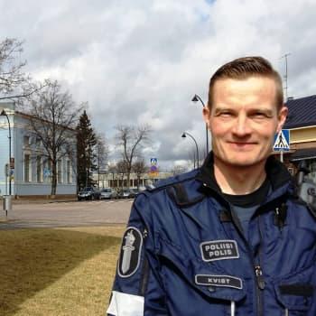 Radio Suomi Kotka: Vanhempi konstaapeli Mikko Kvist toivoo liikennekasvastusta opetussuunnitelmaan
