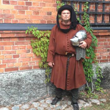 Historiaharrastus teki Kalle Salmisesta vapaaherra Mikael Karhun