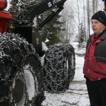 Metsäradio.: Metsäkoneyrittäjä Erkki Salonen 14.11.2011