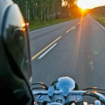 Luontohavaintoja moottoripyörän selästä