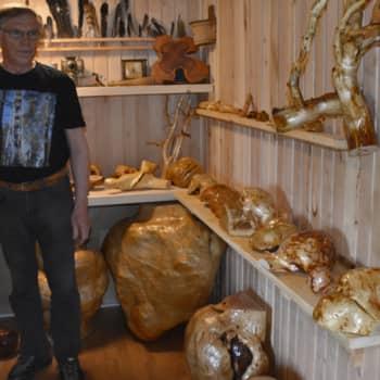 Metsäradio.: Erkki Salosen pahkakokoelmat karttuvat