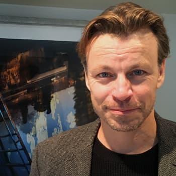 Näyttelijä-kirjailija Peter Franzèn muistuttaa empatian tärkeydestä