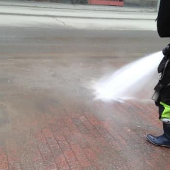 YLE Tampere: Tampere palkkaa pitkäaikaistyöttömiä siivoamaan kaupunkia