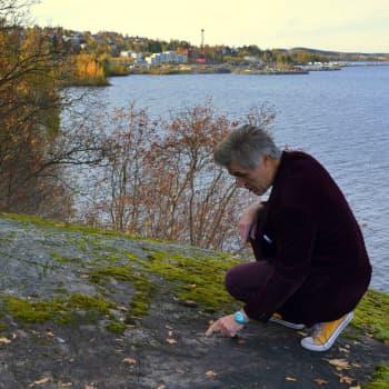 YLE Tampere: Kuka kaiversi nimikirjaimensa kallioon yli sata vuotta sitten Tampereella?