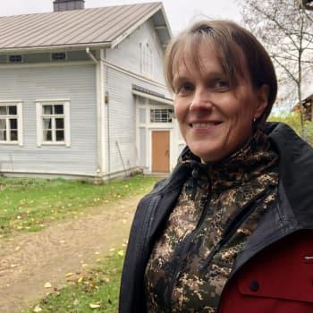"""Pihapiirissä vierailleiden varkaiden röyhkeys hämmästyttää Maija Pispaa – """"Kurja fiilis tulee ja ottaa päähän rankasti"""""""