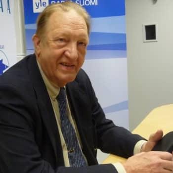 Taustapeili.: Vieraana Martin Saarikangas