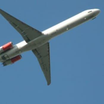 Taustapeili.: Onko ilmailu turvallista?