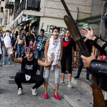 Dokumentaristi Pertti Pesonen on nähnyt Venezuelan nousun ja tuhon - vaaditaan isoja ponnistuksia, että maa saadaan normaaliksi