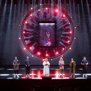"""Natasha Lommi spelar viruset i operan """"Covid fan tutte"""""""