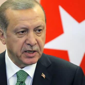"""EU:n ja Turkin yhteisymmärrys pakolaisista: """"Annettiin Erdoğanille valttikortti käteen"""""""