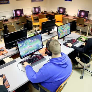 Hämeenlinnan pelitila Bunkkerissa kasvaa e-urheilijoita