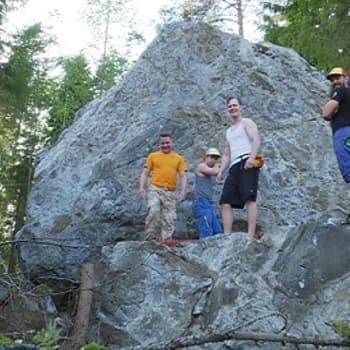 Radio Suomi Hämeenlinna: Hämeen kiipeilykivet houkuttelevat boulderoijia