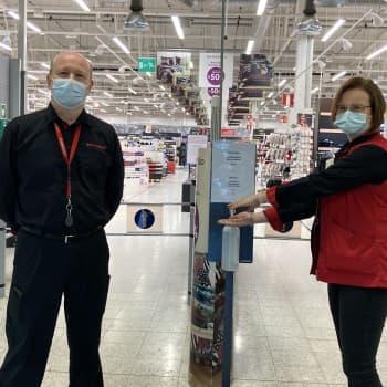 Kokkolan isoissa marketeissa asiakkaat käyttävät maskeja kiitettävästi