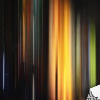 Kultakuume: Hyödytön abstrakti on valokuvauksen kapinallinen
