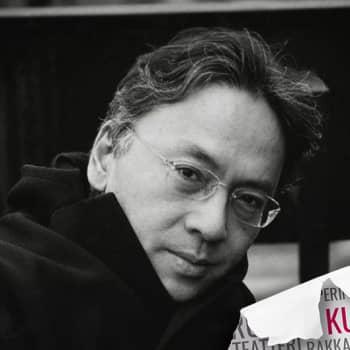 Nobelisti Kazuo Ishiguro kirjoittaa ajasta, muistamisesta ja unohtamisesta
