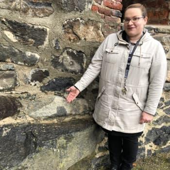 Pimeät kierrokset ovat huippusuosittuja Olavinlinnassa - Yli 500-vuotiseen historiaan mahtuu synkkyyttä