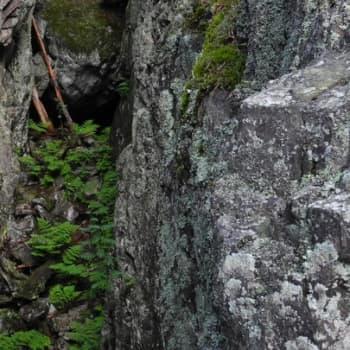 Luonto-Suomi.: Tuhannen luolan maa