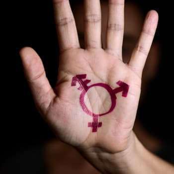 Kun sukupuoli ei tunnu oikealta – miten transsukupuolisuutta selvitetään ja hoidetaan?