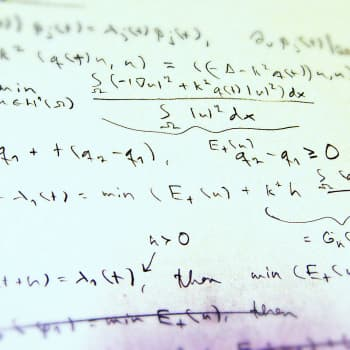 Matematiikan vaikeat yhtälöt kiehtovat - yksi miljoonan dollarin ongelma ratkaistu, kuusi jäljellä