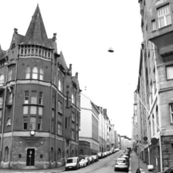 Kirjakerho: Tove Jansson eli kattojen yllä