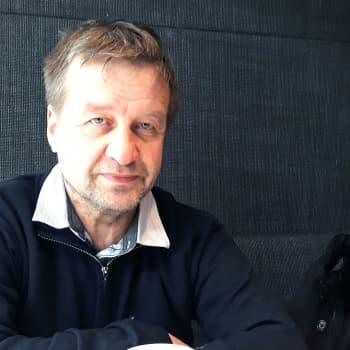 Radio Suomen Ilta: Tyhmäkin biisi alkaa yhtäkkiä elää