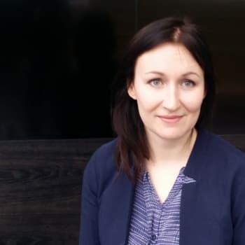 Puheen Iltapäivä: Kirjailija Tiina Raevaara: Tiedemaailma tarvitsee supertähtiä!