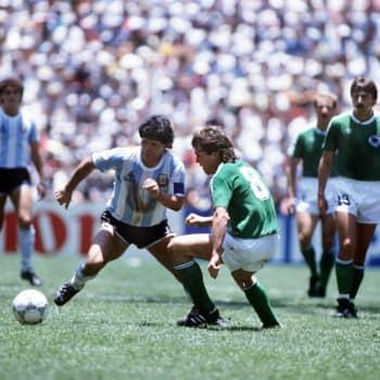 Kan Maradonas död leda till att ingen annan får spela med 10:an på ryggen?