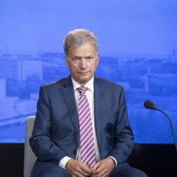 """President Sauli Niinistö: """"Håll ut, undvik julträngsel - och vänta på coronavaccinet!"""""""