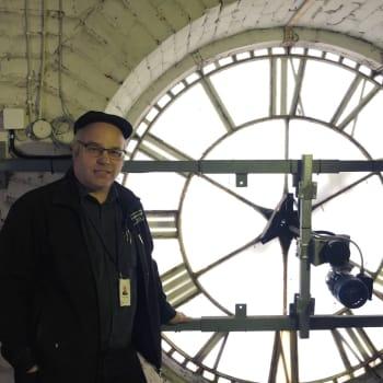 Mitä Mikkelin tuomiokirkon kellot viestivät soidessaan 64 metriä korkeasta kellotornista?