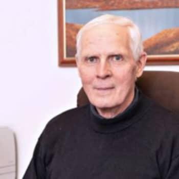 Martti Väänäsellä on kokemusta sekä lahjoituksen saamisesta että antamisesta - Ruskon Betoni mukana Hyvä Joulumieli -keräyksessä