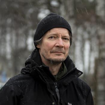Juha Hurmeen Suomi on runsas keitos faktaa joka maistuu fiktiolta