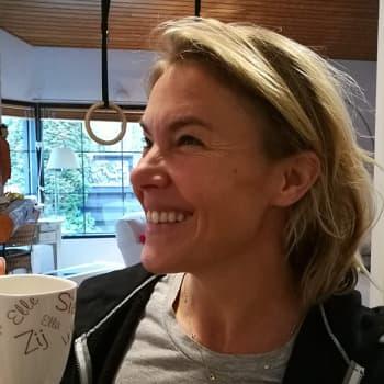 Bonuskielenä musiikki - toimittaja Ella Kanninen