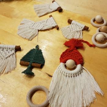 Vielä ehtii joulukoristeiden tekoon - makramee syntyy nopeasti käden käänteessä