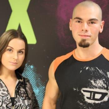 Womma ja Samuel: Vieraana stripteasetaiteilijat Irina Tundra ja Spartta