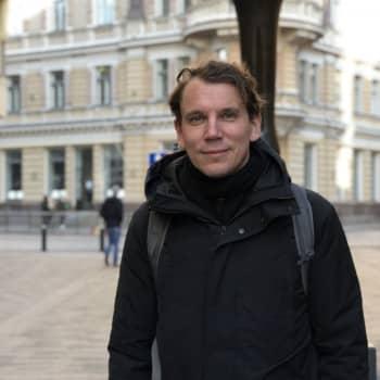 Författaren Juha Itkonen utmanade sin svenska genom att börja brevväxla